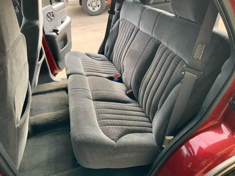 1998 Chevrolet Blazer LS (image 22)