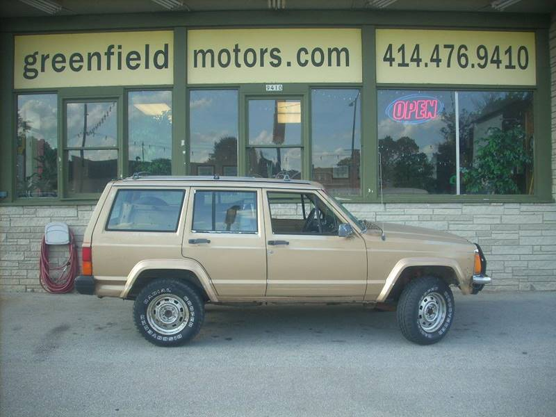 1987 Jeep Cherokee for sale at GREENFIELD MOTORS in Milwaukee WI