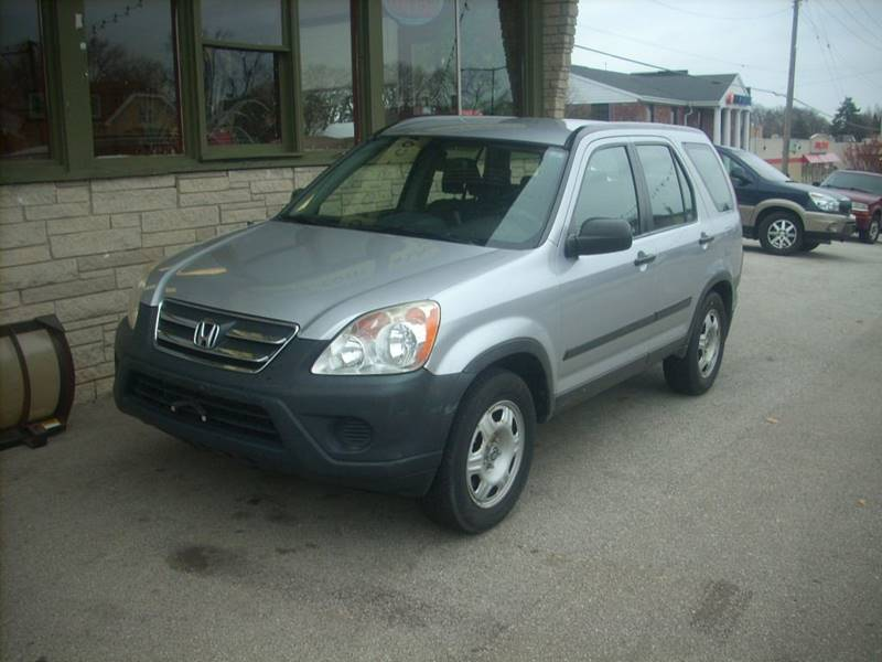 2005 Honda CR-V for sale at GREENFIELD MOTORS in Milwaukee WI