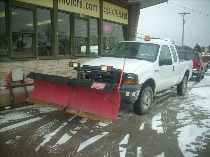 2006 Ford F-250 Super Duty for sale at GREENFIELD MOTORS in Milwaukee WI
