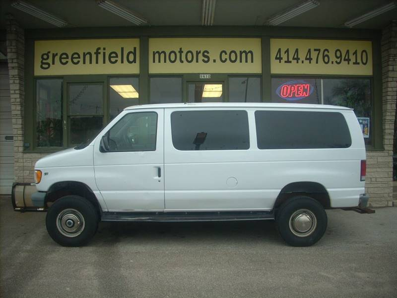 2000 Ford E-350 for sale at GREENFIELD MOTORS in Milwaukee WI