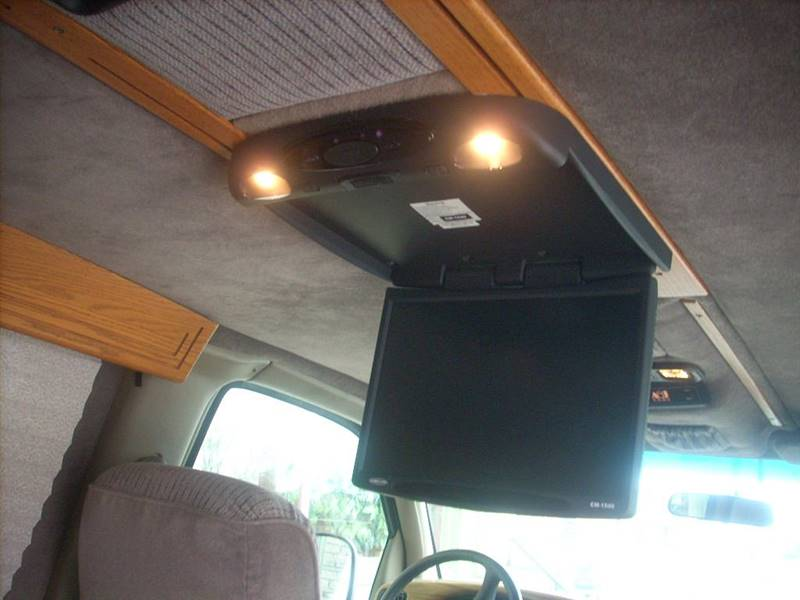 2000 Chevrolet express 1500 for sale at GREENFIELD MOTORS in Milwaukee WI