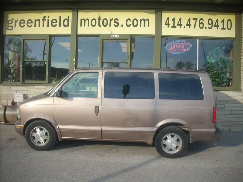 2003 GMC Safari for sale at GREENFIELD MOTORS in Milwaukee WI