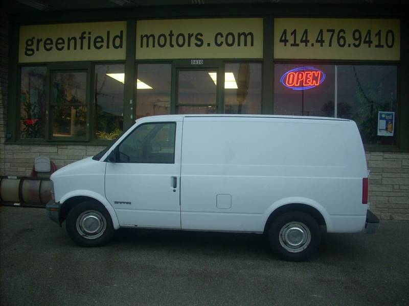 1999 GMC Safari Cargo for sale at GREENFIELD MOTORS in Milwaukee WI