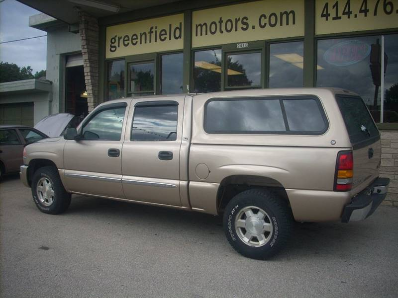 2004 GMC Sierra 1500 for sale at GREENFIELD MOTORS in Milwaukee WI