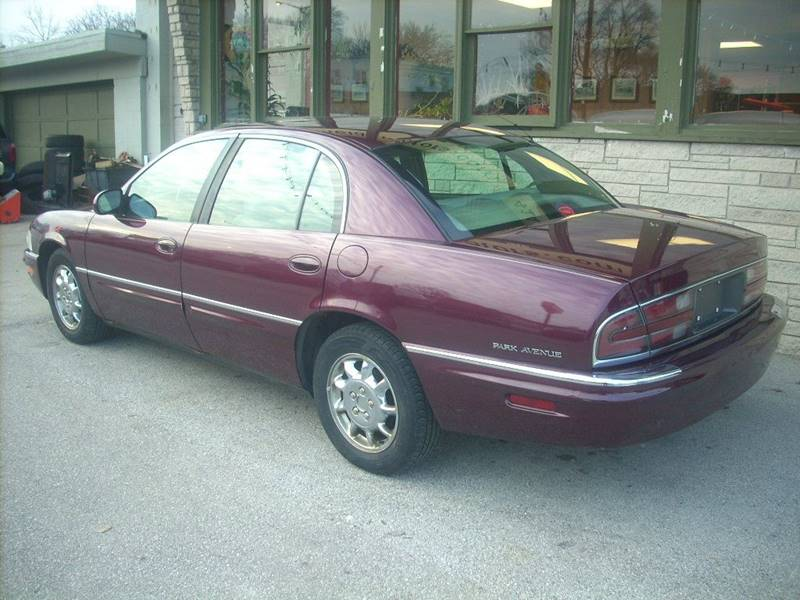 2003 Buick Park Avenue for sale at GREENFIELD MOTORS in Milwaukee WI