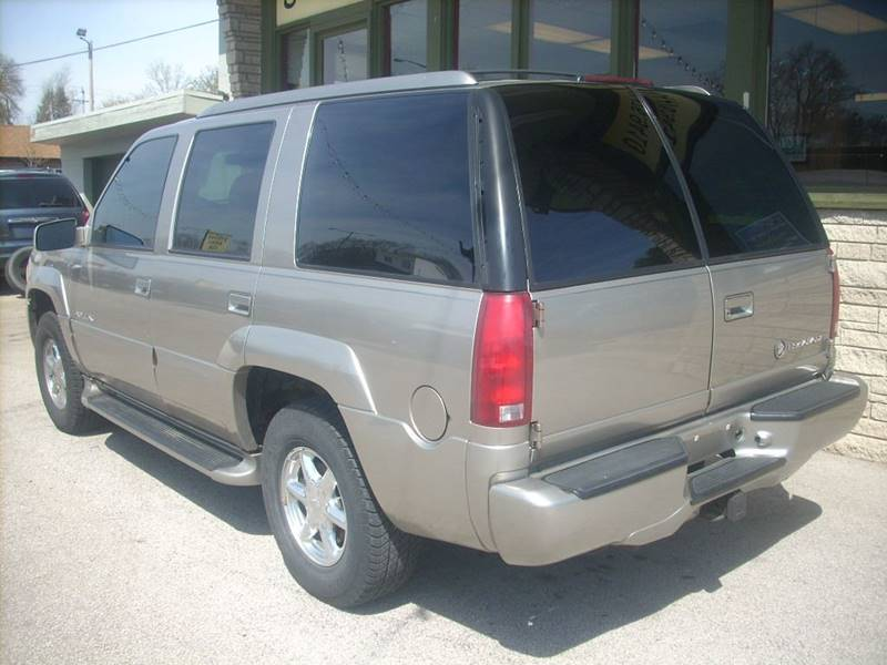 2000 Cadillac Escalade for sale at GREENFIELD MOTORS in Milwaukee WI