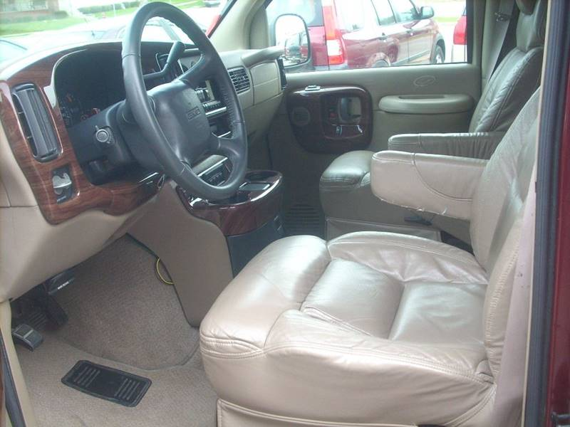 1999 GMC Savana Passenger for sale at GREENFIELD MOTORS in Milwaukee WI
