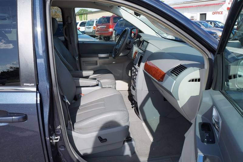 2008 Chrysler Town and Country Touring 4dr Mini-Van - Clearwater FL