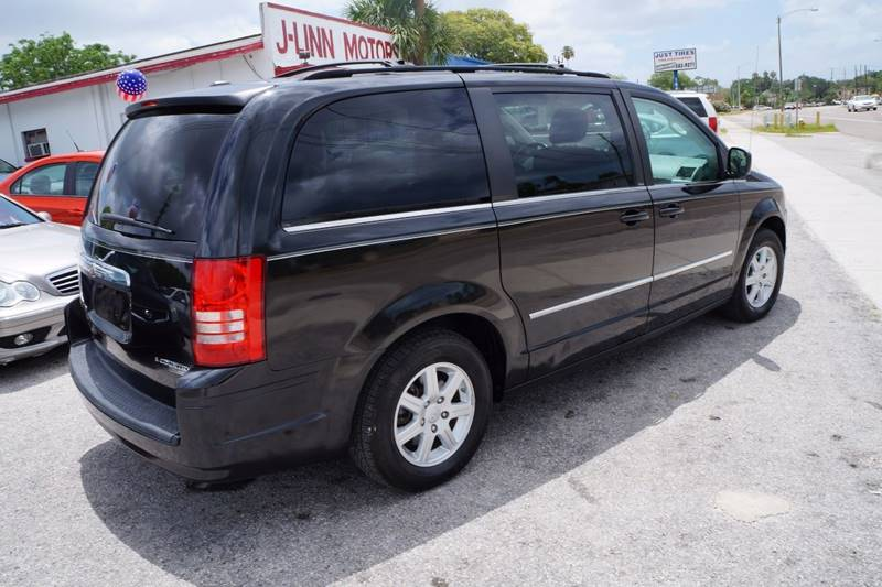 2010 Chrysler Town and Country Touring 4dr Mini-Van - Clearwater FL