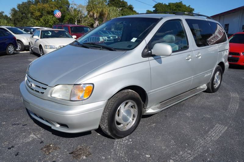 2002 Toyota Sienna