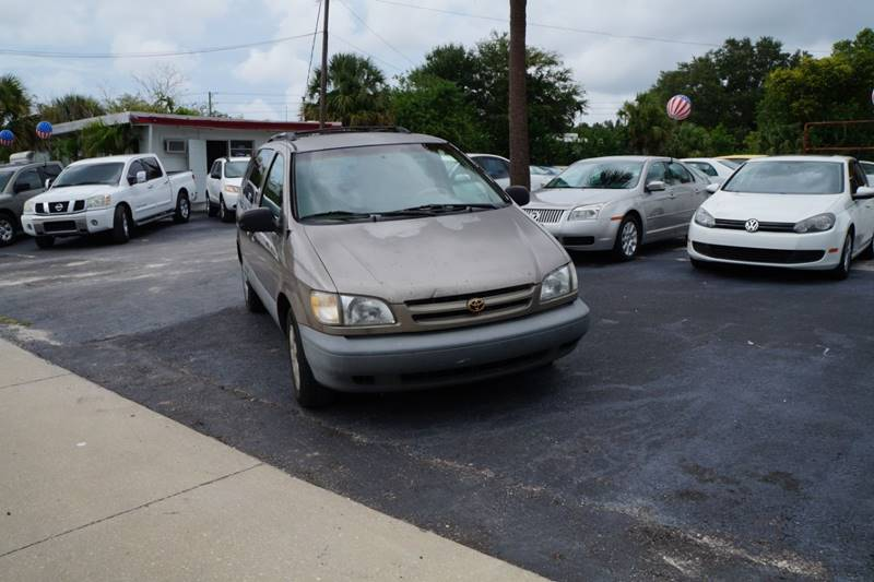 Toyota Sienna 1999 for Sale in Clearwater, FL