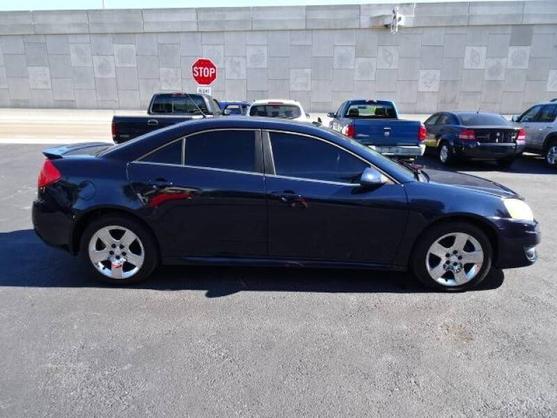 2010 Pontiac G6 for sale at DONNY MILLS AUTO SALES in Largo FL