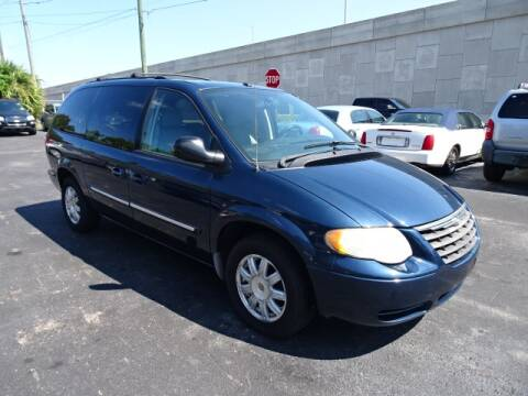 2007 Chrysler Town and Country for sale at DONNY MILLS AUTO SALES in Largo FL