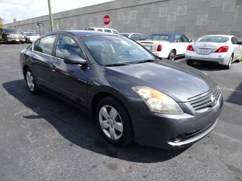 2007 Nissan Altima for sale at DONNY MILLS AUTO SALES in Largo FL