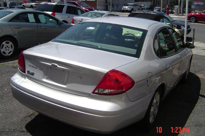 2007 Ford Taurus for sale at Nicks Auto Sales Co in West New York NJ