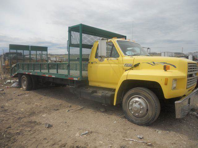 1989 FORD F-700 DUAL WHEEL PICK-UP