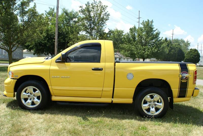 2005 Dodge Ram Pickup 1500 2dr Regular Cab SLT 4WD SB - Angola IN