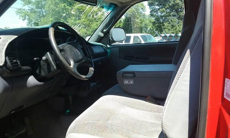 2002 Dodge Ram Pickup 2500 2dr Standard Cab SLT 4WD LB - Newark OH