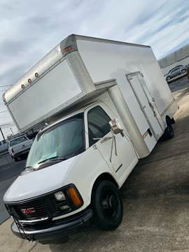 2002 GMC Savana Cutaway for sale in Taylorsville, NC