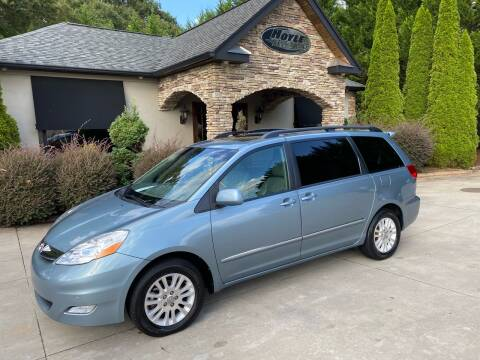 2008 Toyota Sienna for sale at Hoyle Auto Sales in Taylorsville NC