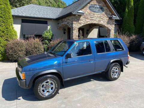 1995 Nissan Pathfinder for sale at Hoyle Auto Sales in Taylorsville NC