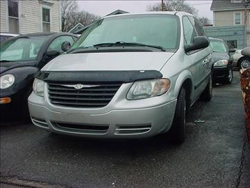 2006 Chrysler Town and Country for sale in Central Falls, RI