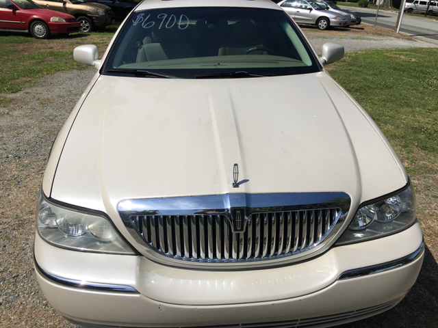 2006 Lincoln Town Car Signature Limited 4dr Sedan In Durham NC ...