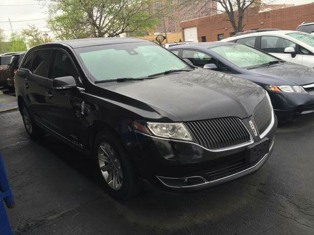 2013 lincoln mkt town car awd livery fleet 4dr crossover in rockford il auto works inc. Black Bedroom Furniture Sets. Home Design Ideas