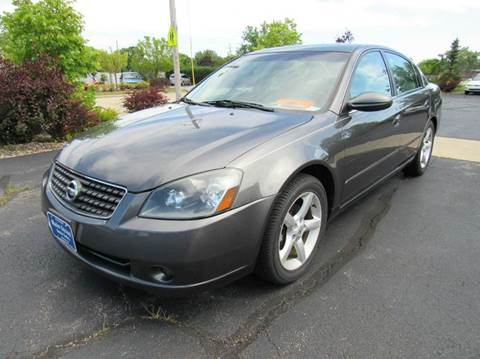 2005 Nissan Altima for sale at MAIN STREET AUTO SALES in Neenah WI
