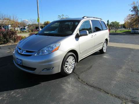 2010 Toyota Sienna for sale at MAIN STREET AUTO SALES in Neenah WI