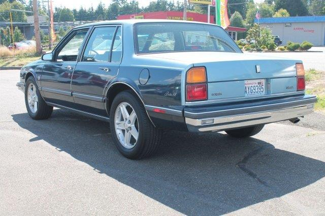 1986 Oldsmobile Delta Eighty-Eight Royale Brougham 4dr Sedan - Edmonds WA
