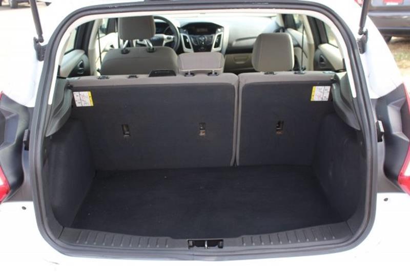 2012 Ford Focus SE 4dr Hatchback - Edmonds WA
