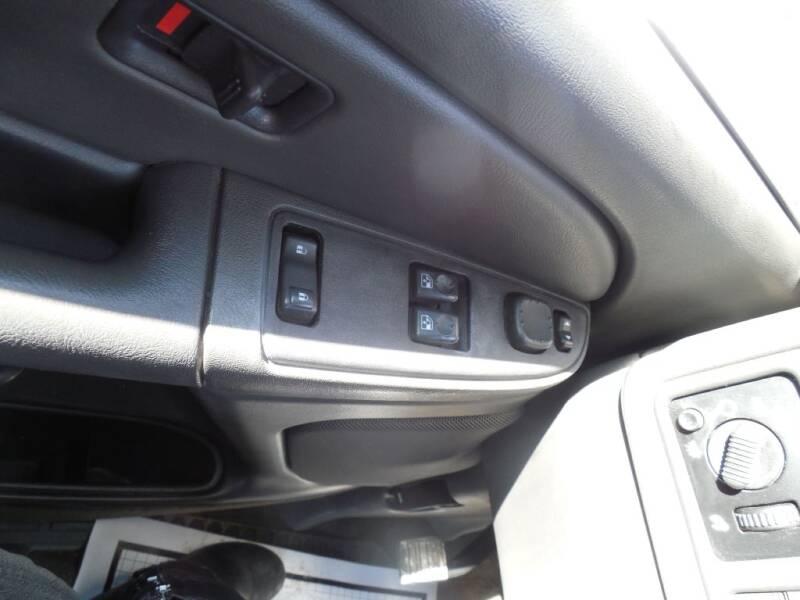 2005 Chevrolet Silverado 2500HD (image 11)