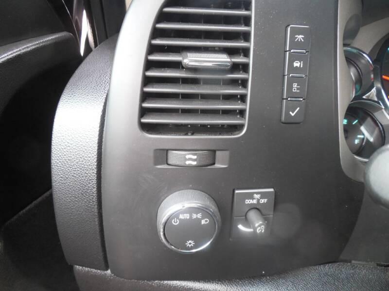 2013 Chevrolet Silverado 1500 LT (image 11)