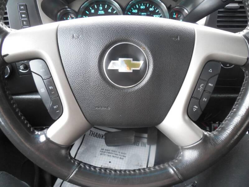 2013 Chevrolet Silverado 1500 LT (image 10)
