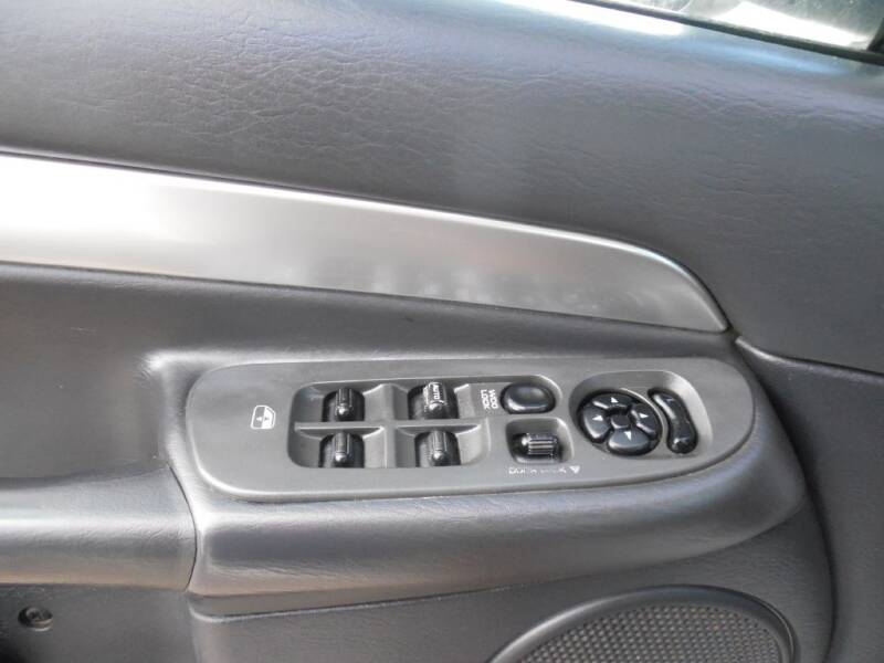 2004 Dodge Ram Pickup 2500 (image 11)