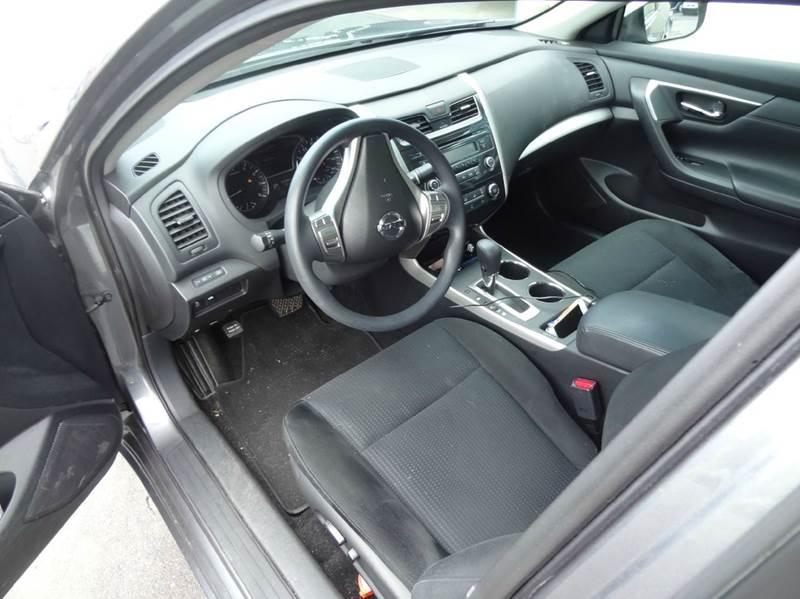 2015 Nissan Altima 2.5 S 4dr Sedan - Saint Cloud MN