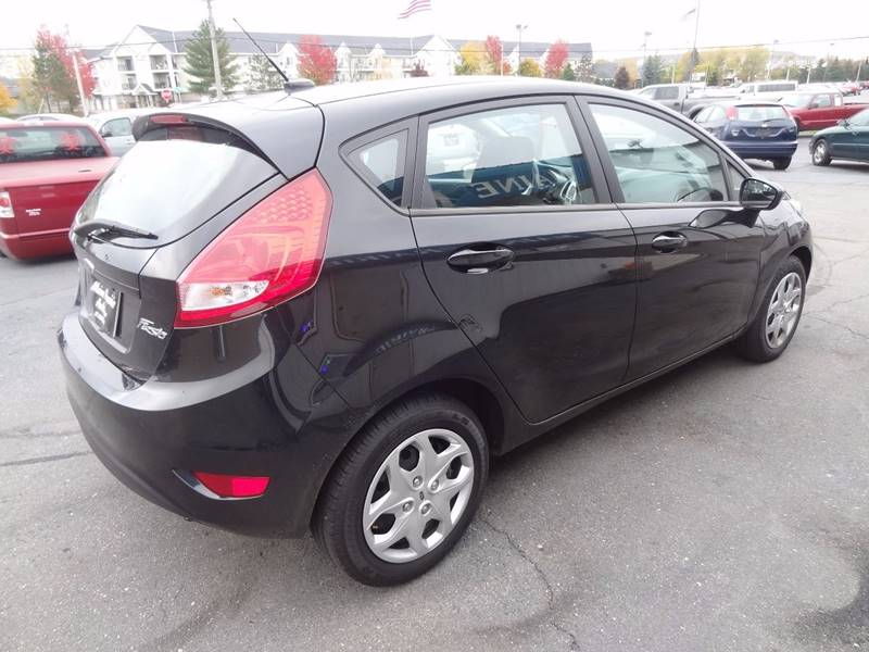 2011 Ford Fiesta SE 4dr Hatchback - Saint Cloud MN