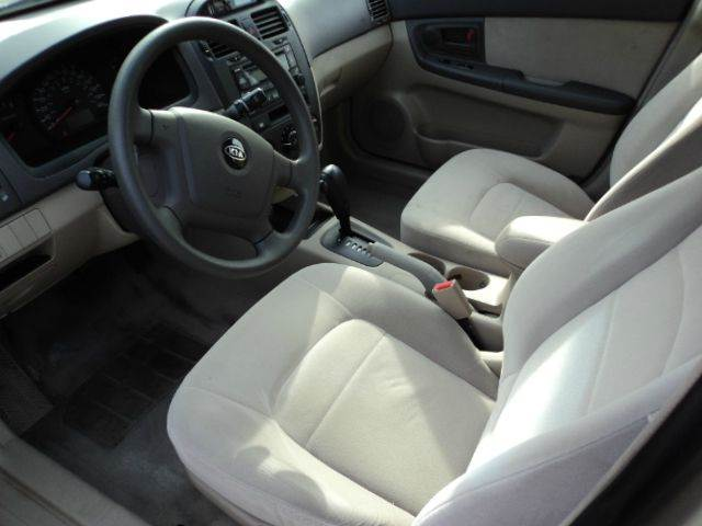 2005 Kia Spectra EX 4dr Sedan - Sheboygan WI