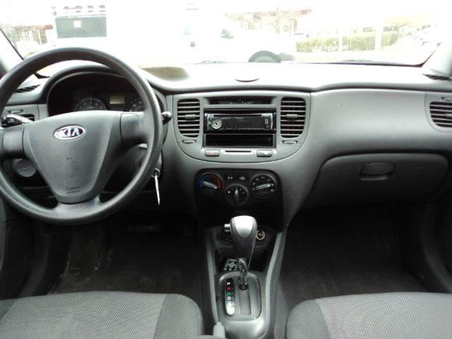 2006 Kia Rio LX 4dr Sedan w/automatic - Sheboygan WI