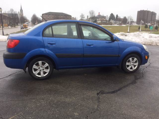 2006 Kia Rio LX 4dr Sedan w/manual - Sheboygan WI