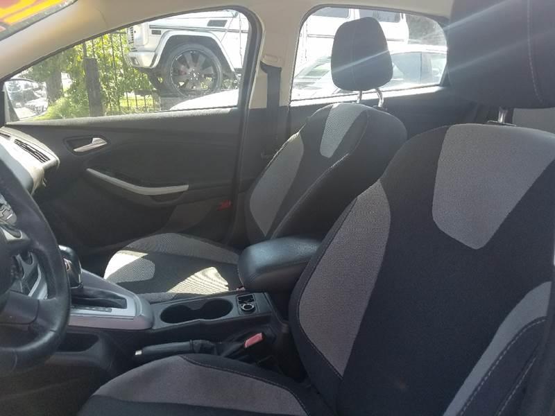 2012 Ford Focus SE 4dr Sedan - Kerman CA
