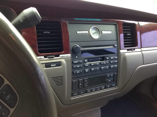 2003 Lincoln Town Car Cartier 4dr Sedan In Somerset KY - Holland
