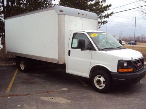 2005 GMC Savana Cutaway for sale in Shelby Township, MI
