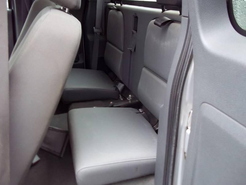 2006 Dodge Dakota ST 4dr Club Cab SB - West Bridgewater MA