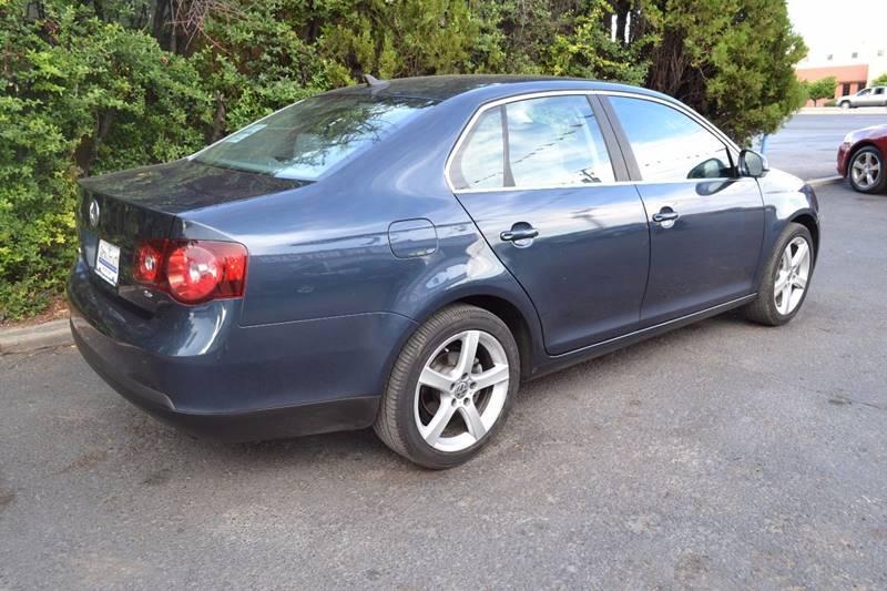 2008 Volkswagen Jetta SE 4dr Sedan 5M - Sante Fe NM