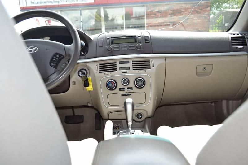 2006 Hyundai Sonata GL 4dr Sedan - Sante Fe NM