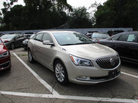 2016 Buick LaCrosse for sale at SOUTHFIELD QUALITY CARS in Detroit MI
