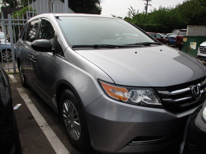 2016 Honda Odyssey for sale at SOUTHFIELD QUALITY CARS in Detroit MI
